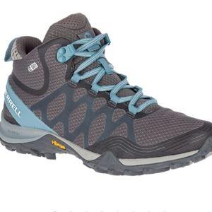 Merrel Siern 3 Mid Hiking Boots Worn 2- 3 times